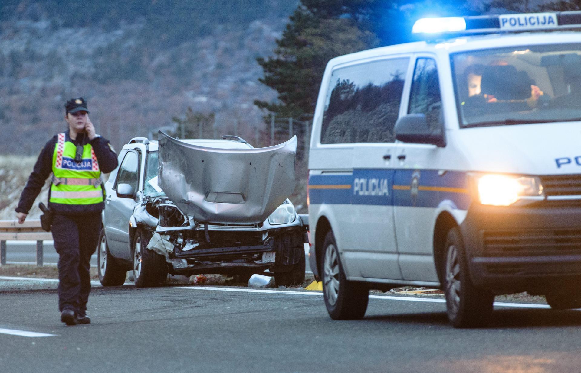 Stravična prometna nesreća na autocesti A1 u smjeru Karlovca: sudar kamiona i kombija, više osoba smrtno stradalo i ozlijeđeno
