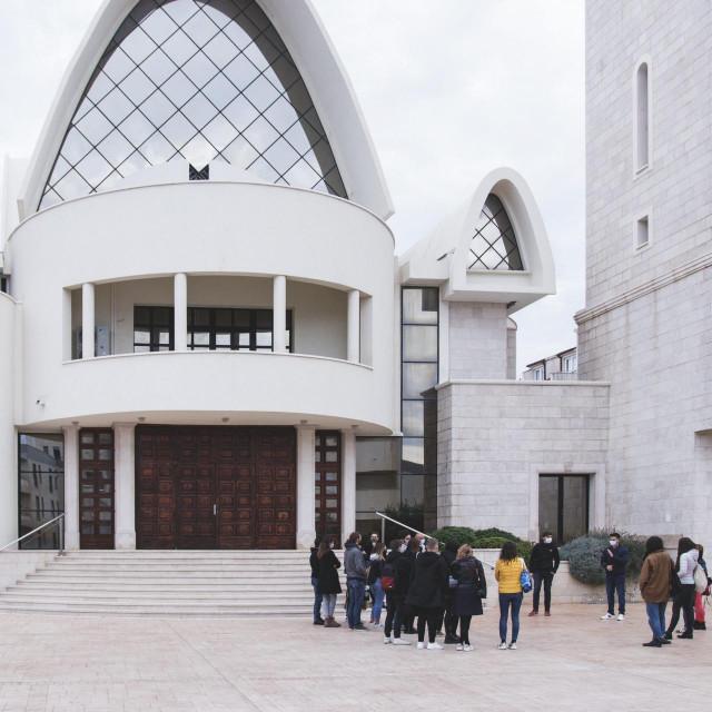 'Disaster Walk' obuhvatio je i župnu crkvu svetog Spasa