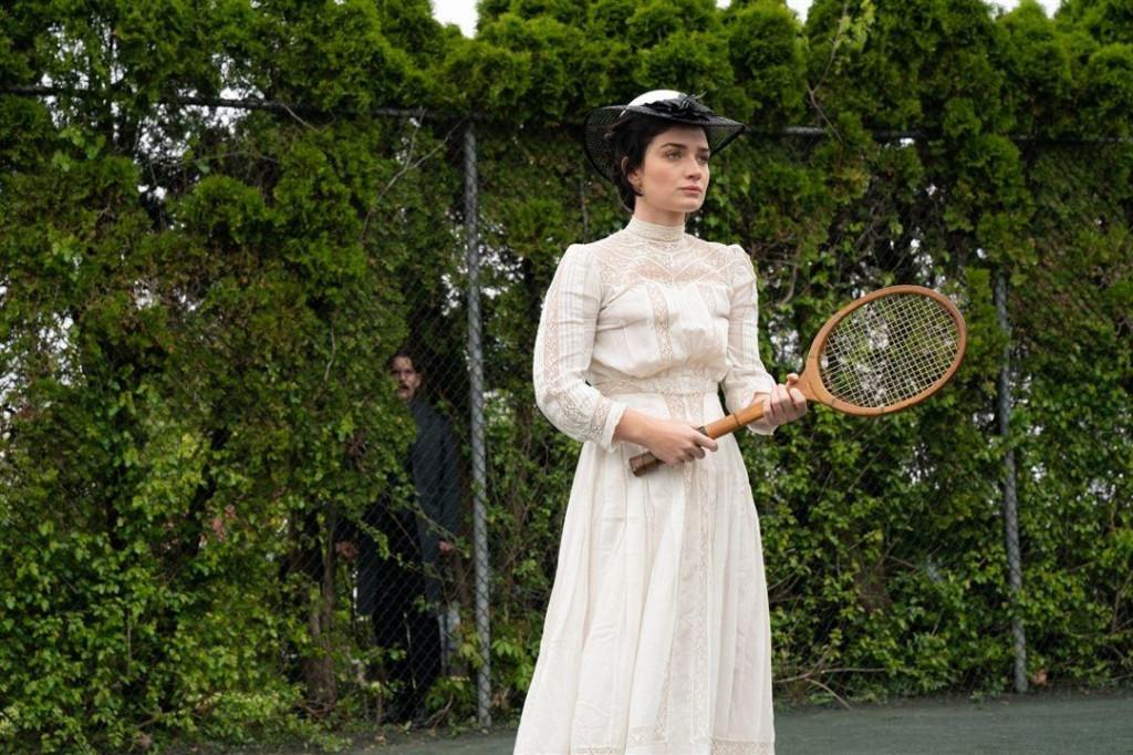 Bonova kći Eve Hewson u Tesli je pokazala dobar glumački potencijal