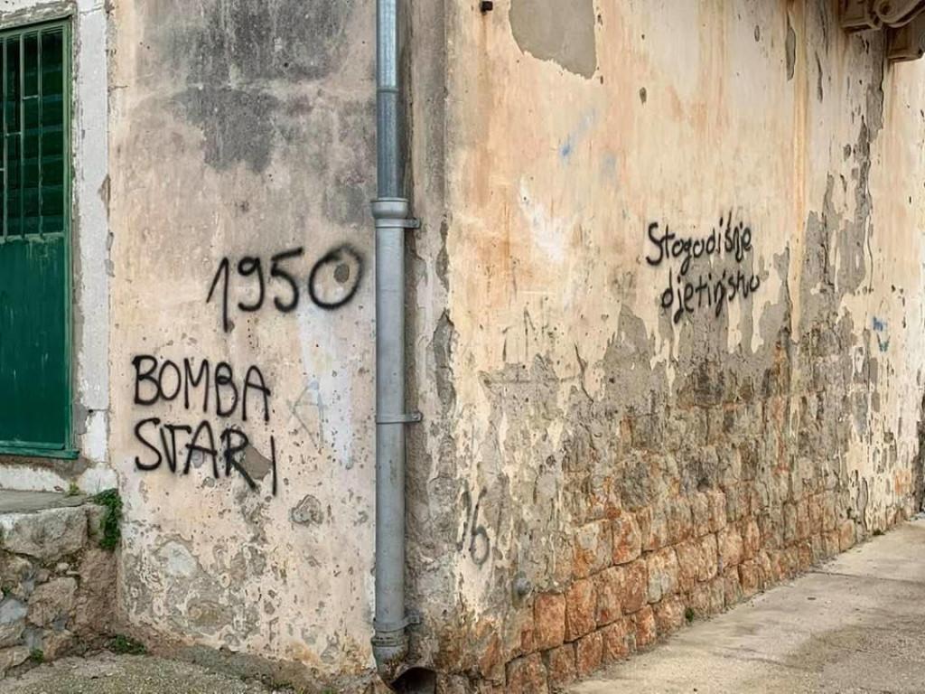 Na zaštićenom kulturnom dobru osvanuli su grafiti