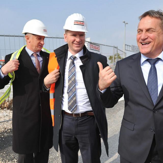 Podpredsjednici ŽO Božidar Longin i Josip Bilaver s predsjednikom Božidarom Kalmetom