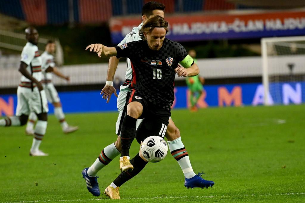 Luka Modrić odigrao je tri utakmice za reprezenaciju u sedam dana, nakon četiri dana pauze nastupio je u subotu za Real u prvenstvu, već za prekosutra ga čeka Liga prvaka, pa opet prvenstvo za vikend