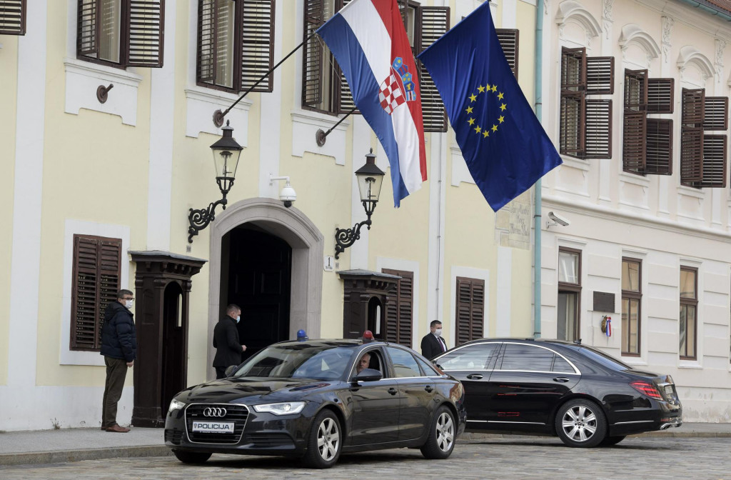 <br /> Markov trg, predsjednik RH Zoran Milanović dolazi na sjednicu Vijaća nacionalne sigurnosti u Vladu RH<br />