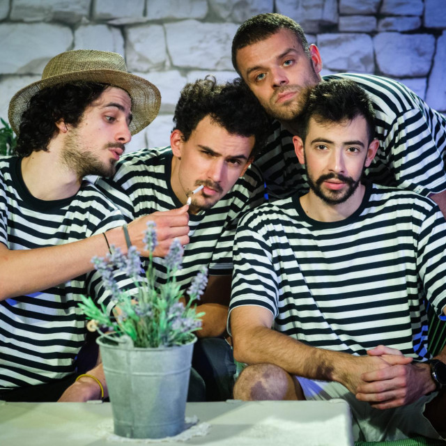 Stipe Jelaska, Petar Salečić, Lovre Kondža i Luka Šatara u prizoru iz predstave<br /> Tom Dubravec/ CROPIX