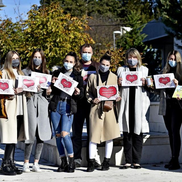'Želimo da ljubaznost postane zarazna i da zarazi sve oko nas', poručuju dugopoljski volonteri