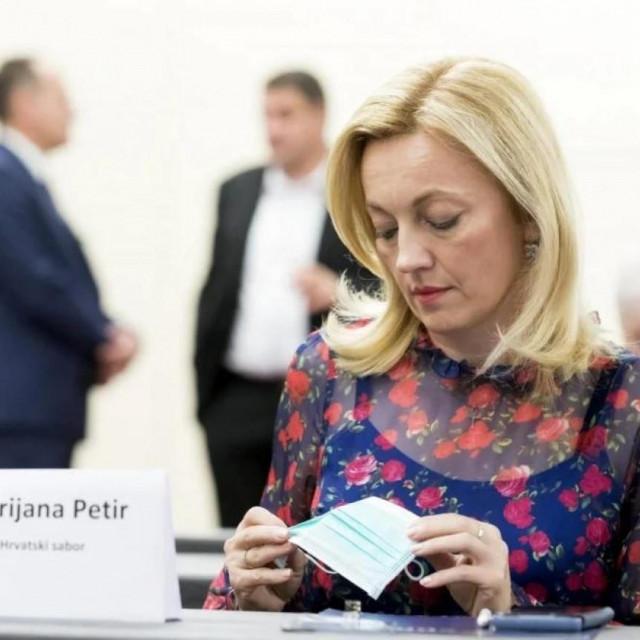 Marijana Petir svoj angažman oko progonjenih kršćana nastavlja i u Hrvatskom saboru jednakom ustrajnošću kako je to činila u Bruxellesu i u Strasbourgu