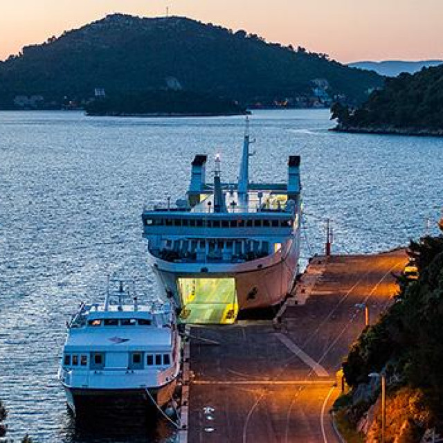 luka ubli otok lastovo