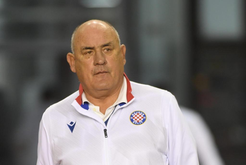 Split, 071120.<br /> Stadion u Poljudu.<br /> Nogometna utakmica 1. HNL izmedju HNK Hajduk Split i NK Osijek.<br /> Na fotografiji: Boro Primorac, trener Hajduka.<br />