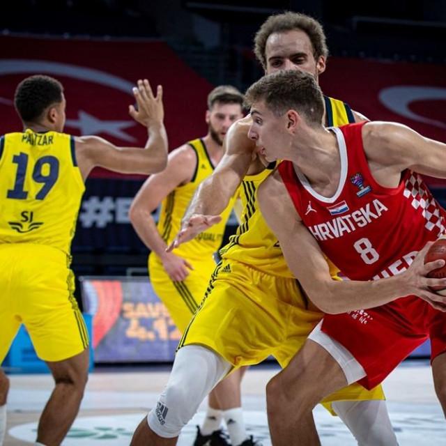 Roko Prkačin (Hrvatska/8) protiv Švedske u Istanbulu foto: FIBA Europe
