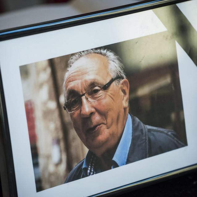U atriju Hrvatskog narodnog kazališta stavljena je knjiga žalosti za hrvatskog glumca Špiru Guberinu