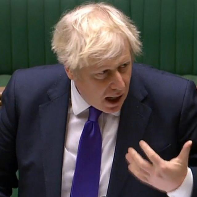 Britanski premijerBoris Johnson poručio je da bi cijepljenje trebalo biti dobrovoljno i da vlada neće uvesti obvezu cijepljenja