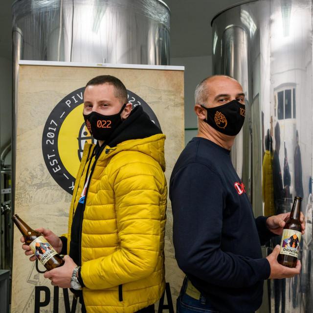 Vedran i Luka Škugor, vlasnici pivovare 022