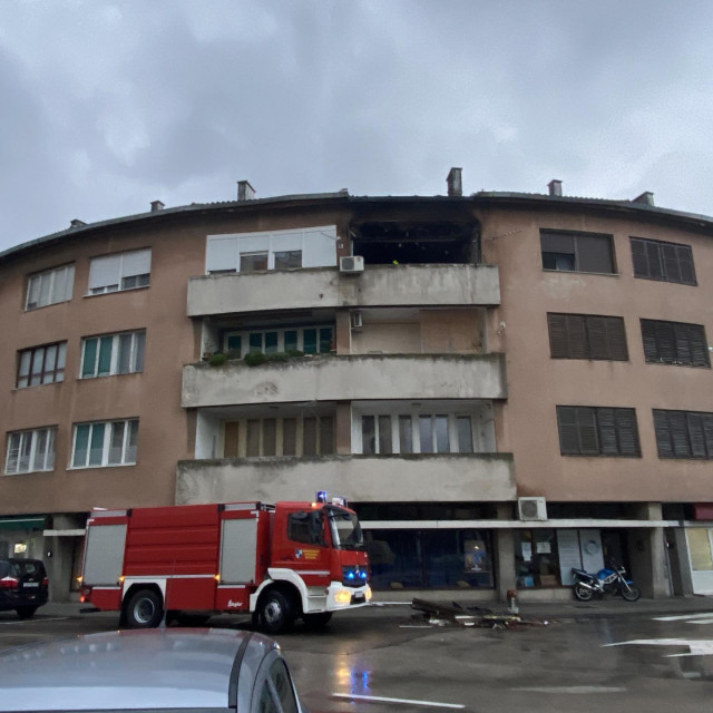 Opožarena zgrada u Metkoviću