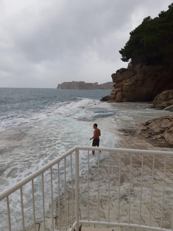 Skok u more, Dario Burmas