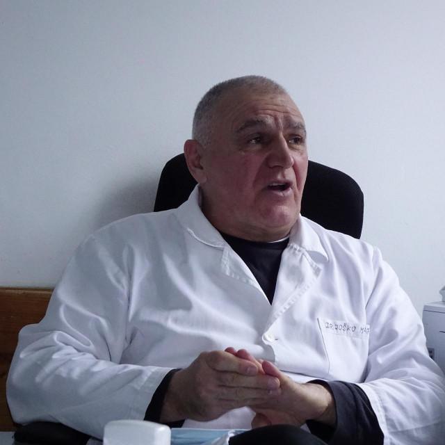 'Bilo je i trenutaka kada ste morali obrađivati cijele obitelji, trčati s kraja na kraj Imotske krajine', kaže dr. Maras