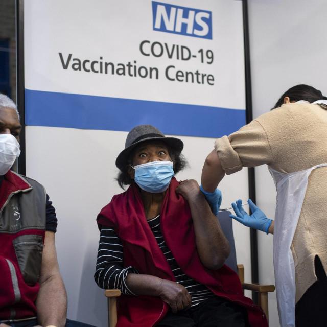 Cijepljenje u londonskoj bolnici