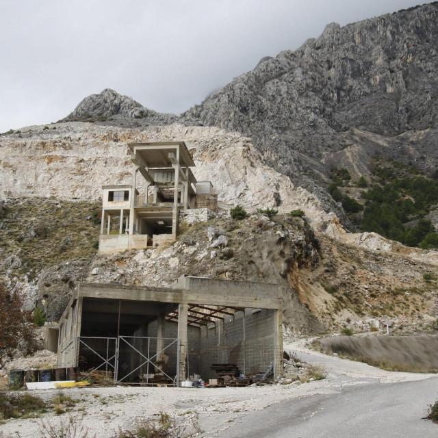 Zatvoreni kamenolom u kojem će niknuti uljara