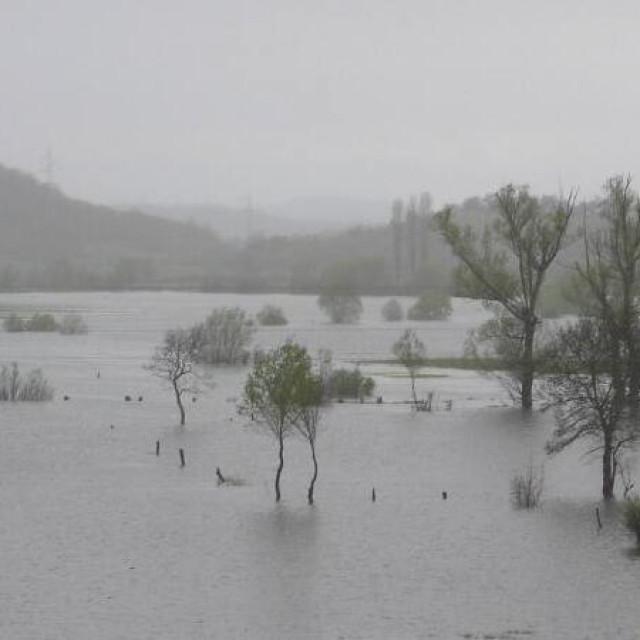 Poplavljeno Petrovo polje