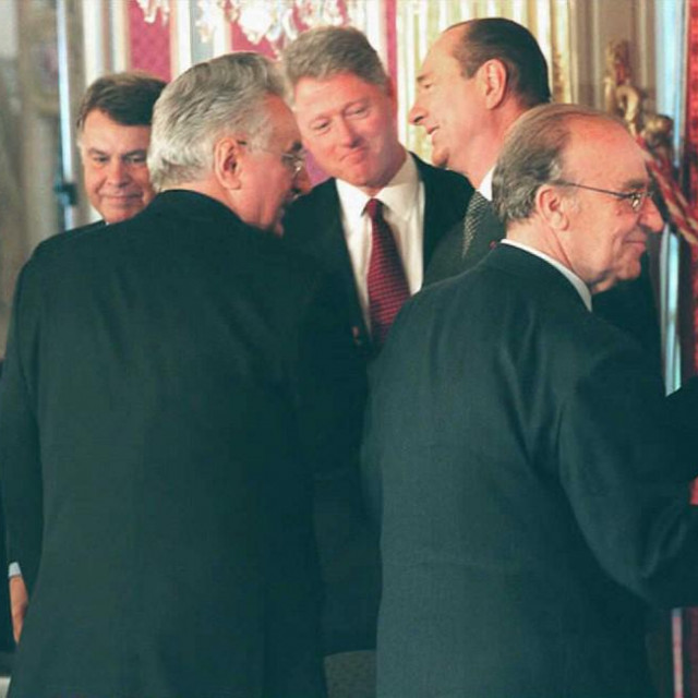 Predsjednici: Slobodan Milošević, Franjo Tuđman i Alija Izetbegović, te Bill Clinton iJacques Chirac