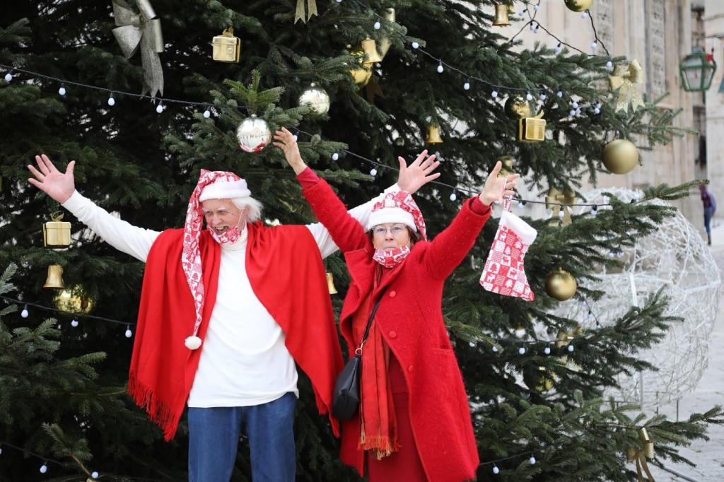 Tea Batinić i ekipa iz DART-a čestitali su blagdan sugrađanima