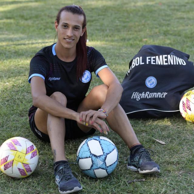 Mara Gomez je jedanaest mjeseci čekala da argentinski nogometni savez odobri njezin nastup u najvišem rangu ženskog nogometa