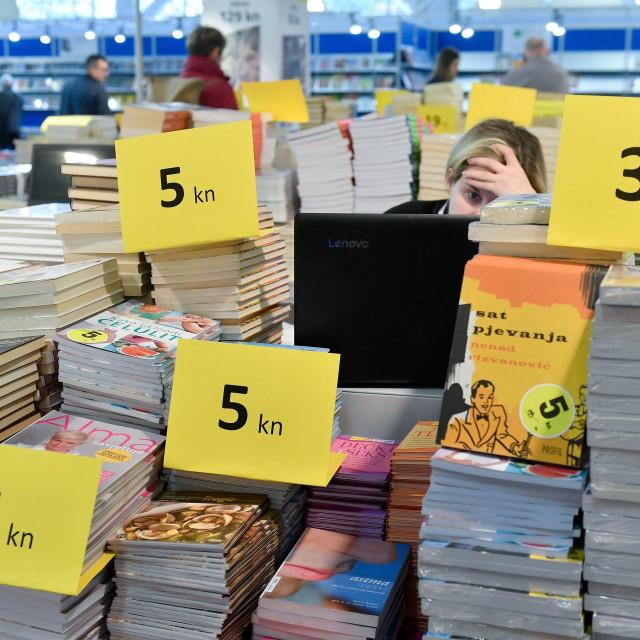 Jeftine knjige ne bi bile moguće bez jeftinoga spisateljskog rada<br />