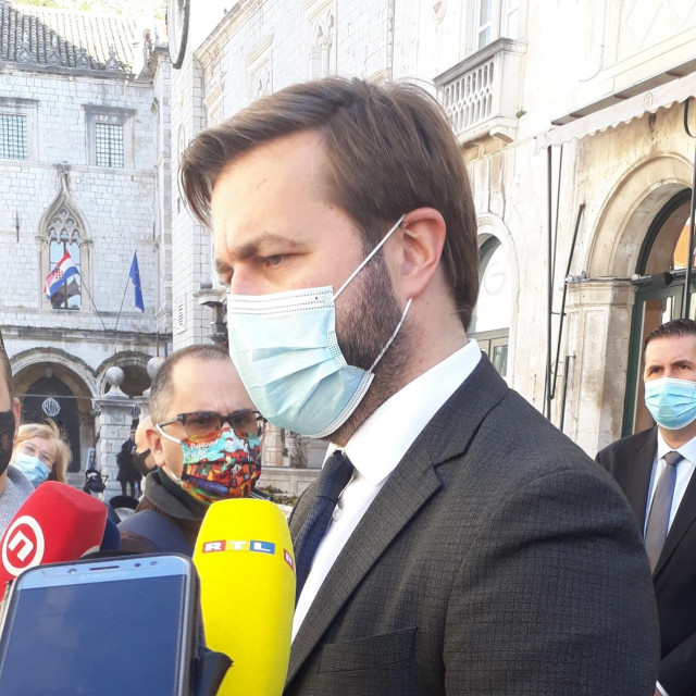Ministar Tomislav Ćorić odgovara kritičarima