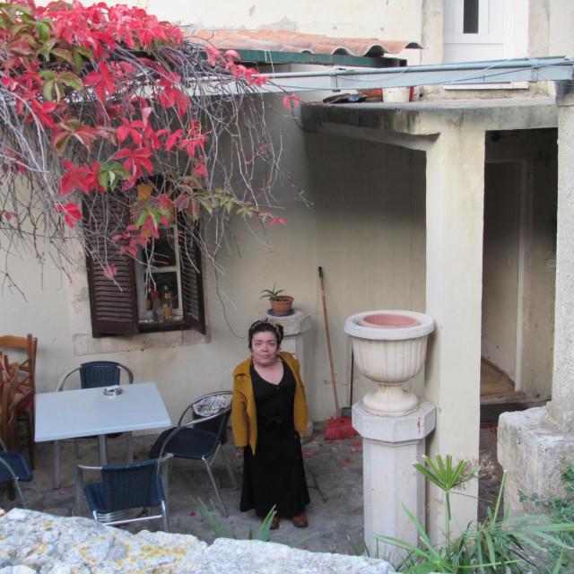Darija Marinić sa roditeljima u stanu živi više od 35 godina