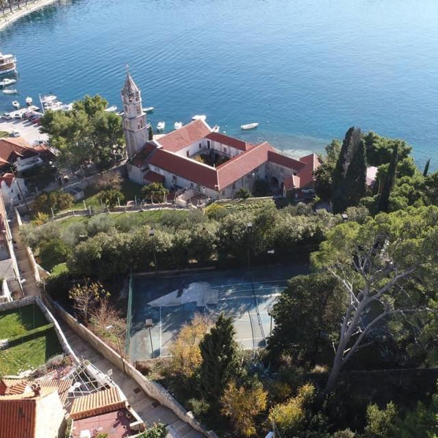 Nakon 20 godina Općina Konavle preuzela ljetno kino: u srcu Cavtata