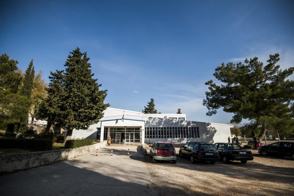 Osnovna škola Antuna Mihanovića Petropoljskog Drniš