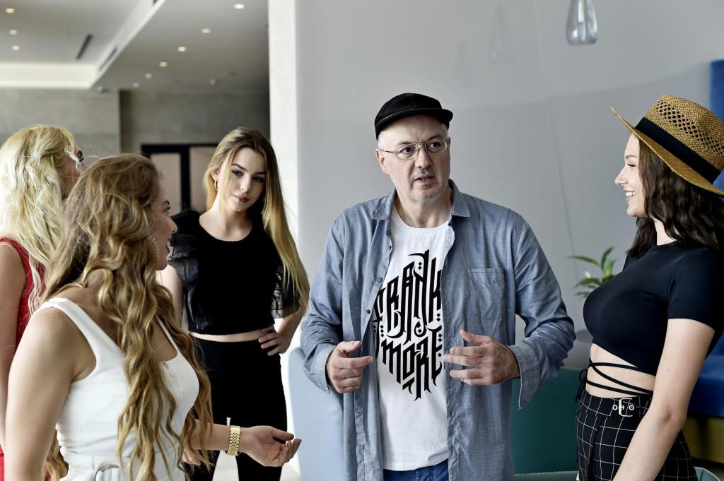 Siniša Vuco:Na Eurosong smo slali muškarce u haljinama, kastrate, žene odjevene poput purana! Kopirali smo sve i svakog!