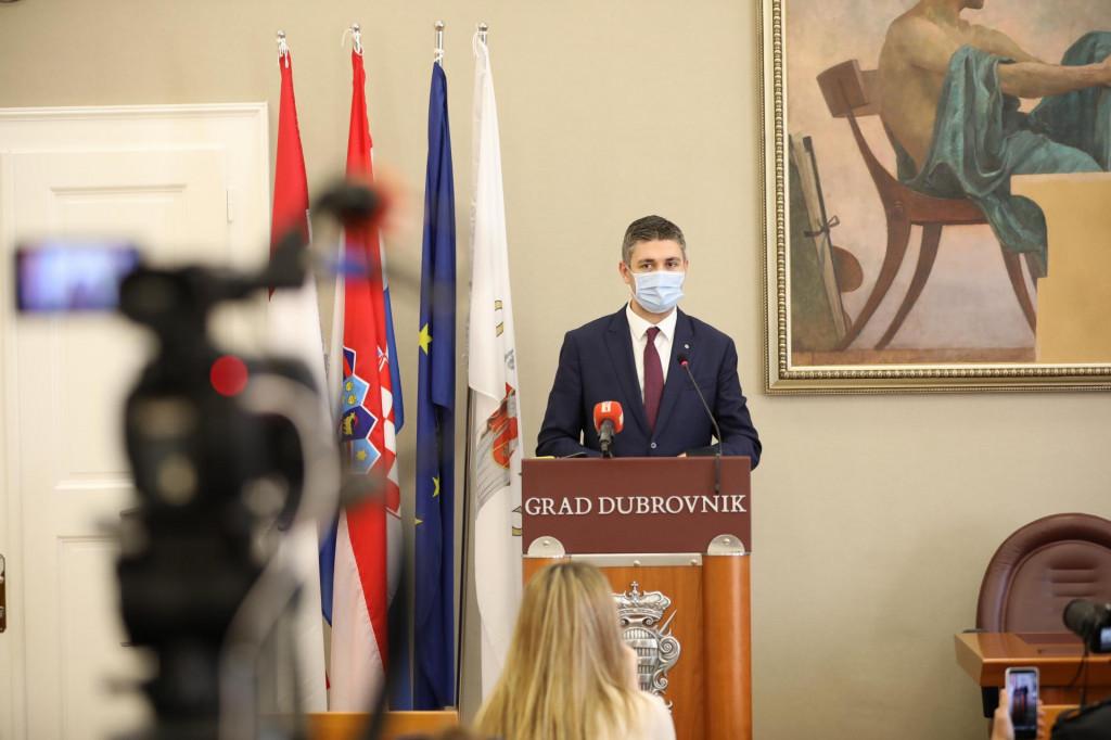 Gradonačelnik Mato Franković održao konferenciju za medije te govorio o poslovanju gradskih tvrtki