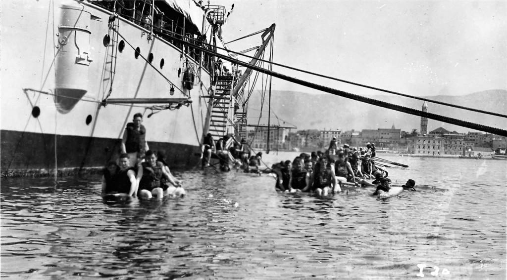 Američki mornari kupali su se u splitskom portu