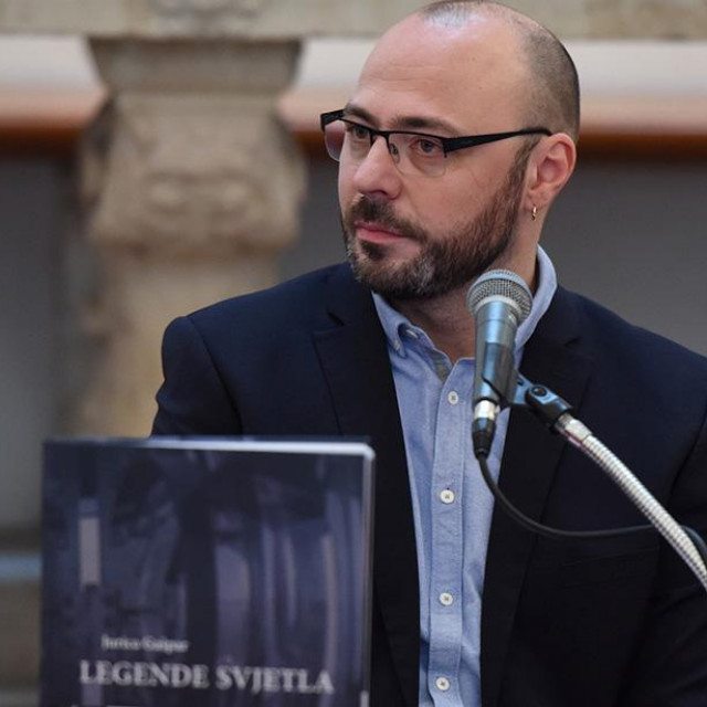 Jurica Gašpar na predstavljanju knjige Legende svjetla u Zadru Boris Kačan