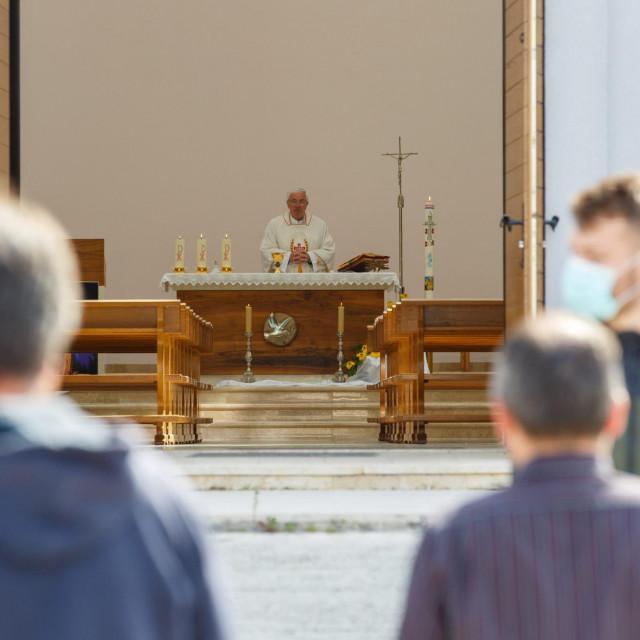 Don Josip Delaš je u travnju, za vrijeme najvećeg lockdowna, održavao mise na Sirobuji<br />