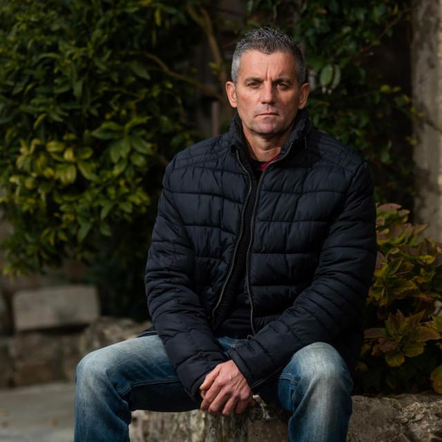 Elvis Beretin iz Radovina je jedan od onkoloskih pacijenata koji su koristili usluge saniteta za prijevoz na zračenje u Split jer Zadar nema linearni akcelerator<br />
