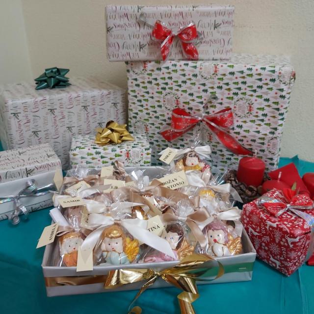 Pacijenti i djelatnici Psihijatrijske dnevne bolnice OB Dubrovnik razveselili djecu Doma Maslina