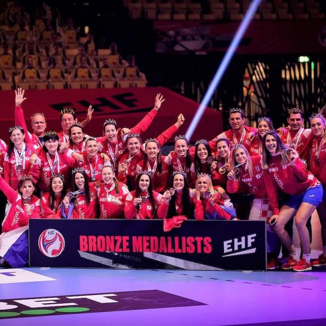 Hrvatska ženska rukometna reprezentacija - brončana na 14. EP-u u Danskoj foto: Jozo Čabraja/kolektiff