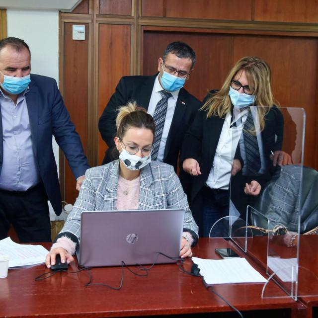 Damir Gabrić, Luka Brčić i Željka Karin u županijskom Stožeru civilne zaštite