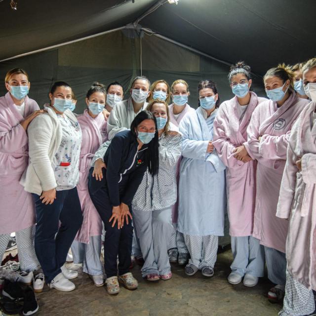 Medicinsko osoblje Covid odjela KBC Split radi na Badnjak u punom pogonu bez skraćenog radnog vremena i ostalih blagdanskih povlastica