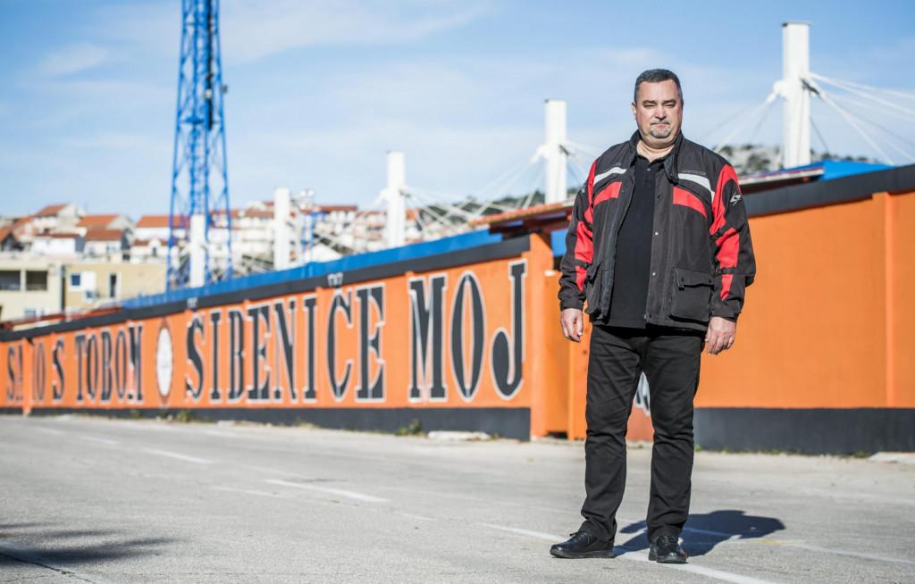 <br /> Rikard Marenzi gradski vijećnik pokraj nogometnog stadiona na Subicevcu.<br />