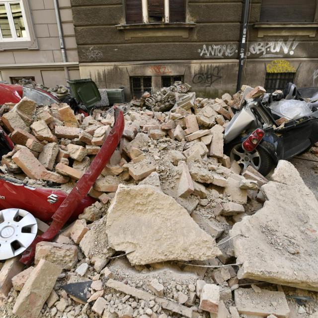 U jutarnjim satima 22. ožujka šire zagrebačko područje pogodio je snažan potres magnitude 5.5 stupnjeva