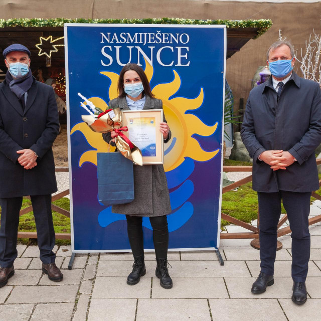 """Ivana Breulj, dobitnica priznanja """"Nasmiješeno sunce"""" za najboljeg turističkog vodiča"""
