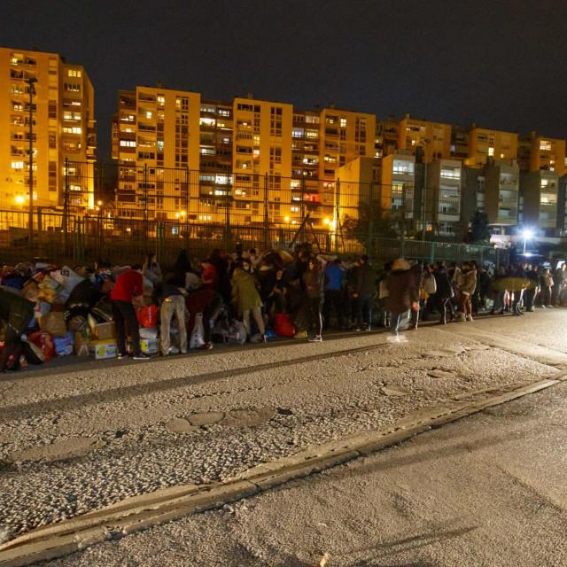 Građani Splita prikupljaju pomoć u Vrančićevoj ulici za stradale u potresu na području Siska i Petrinje