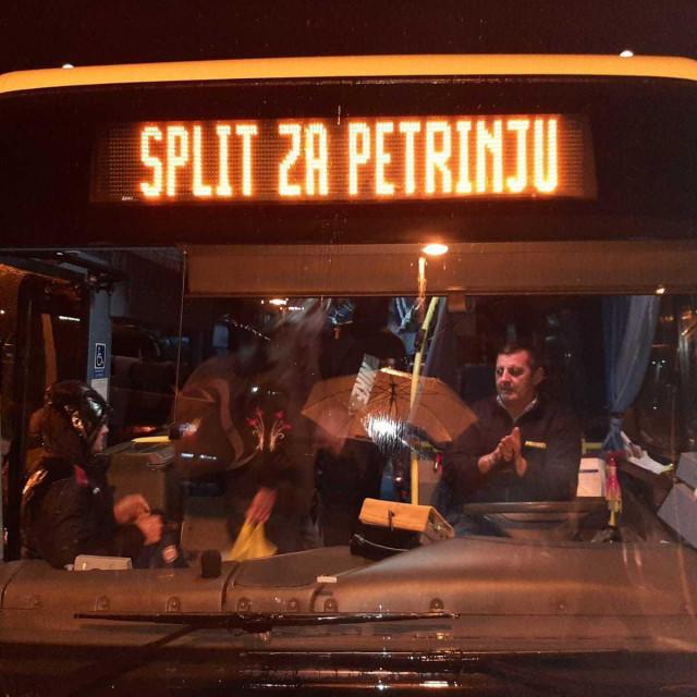 Promet je Torcidi omogućio tri autobusa za put do Petrinje