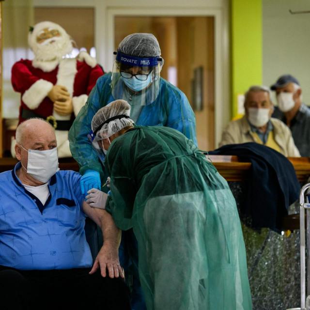 Cijepljenje korisnika Doma za starije osobe Cvjetni dom