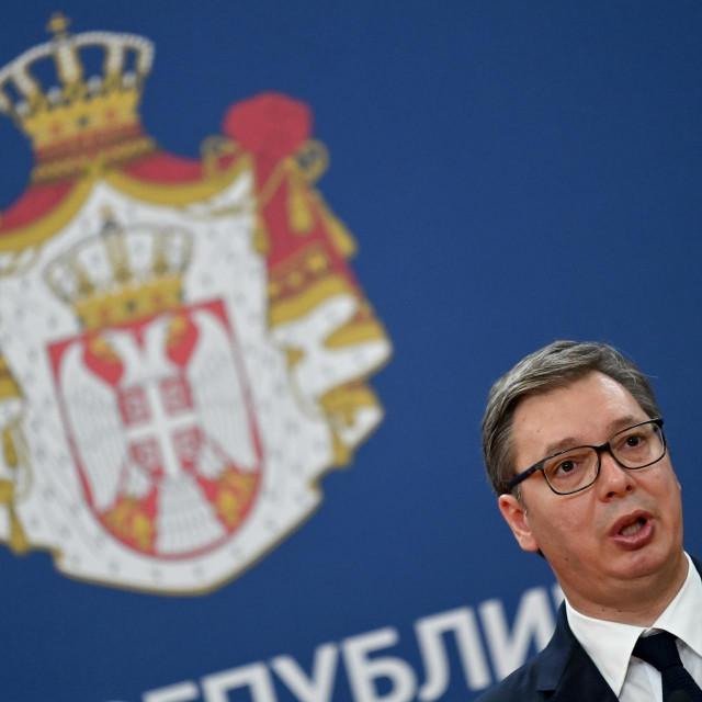 """A Vučić? Taj Vučić koji je baš u Glini svojim pročetničkim ratnohuškakim govorom proizveo puno veći """"potres"""", sada bi pomagao žrtvama potresa i RH. Taj njegov milijun eura treba odbiti<br /> AFP"""
