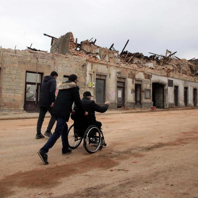 Ima li šanse za razvoj ovog dijela Hrvatske, nakon što je ta šansa nepovratno propuštena nakon Oluje?