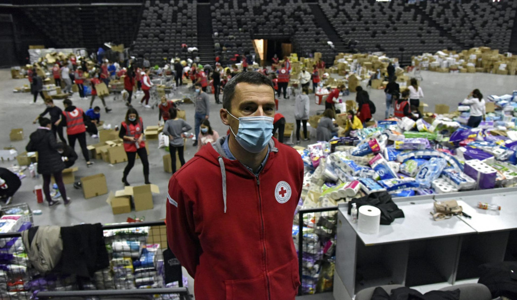 Splićani su u Spaladium Arenu donijeli 90 tona hrane i higijenskih potrepština, kaže Tomislav Gojo, ravnatelj splitskog Crvenog križa