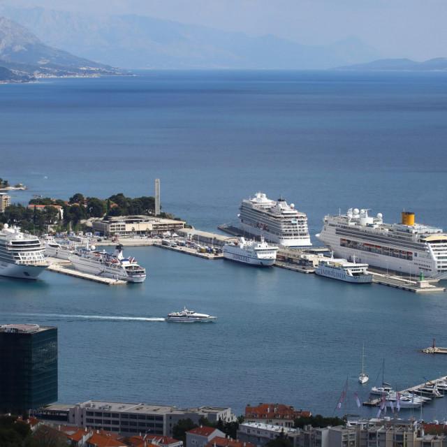 Split kao daleko najveća hrvatska putnička luka i druga teretna luka navodno spada u 'druge manje luke', tvrde u gradskom SDP-u
